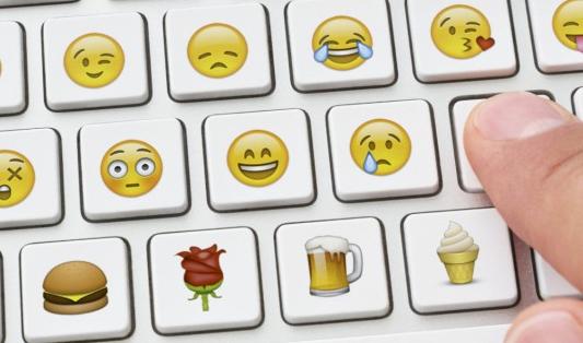 proč v komunikaci se zákazníky používat emotikony