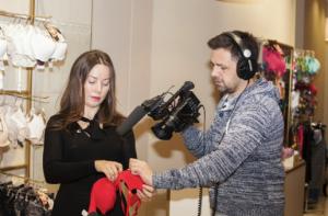pořad Prádlománie učí ženy, jak správně vybrat spodní prádlo